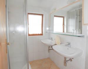 wunderschönes Badezimmer am Bröcklhof