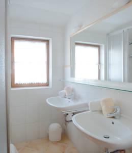 wunderschönes Badezimmer in der Ferienwohnung Therese